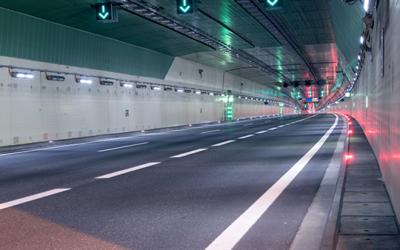 Systèmes de contrôle de tunnels autoroutiers
